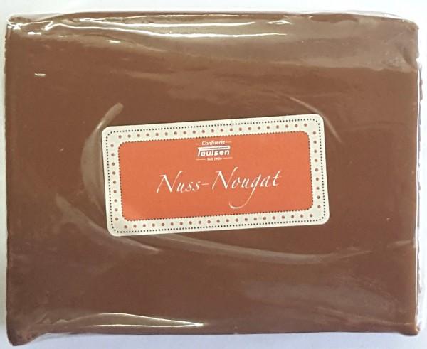 Nuss-Nougat, geschnitten
